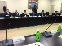 会場には事務局やお役人のお歴々ふくめ、数十名います